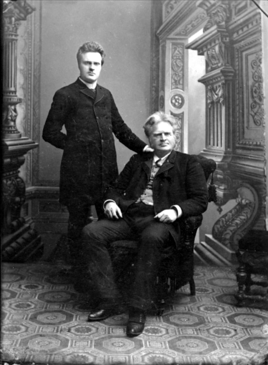 Bjørnson, far, sønn, stol, teppe,
