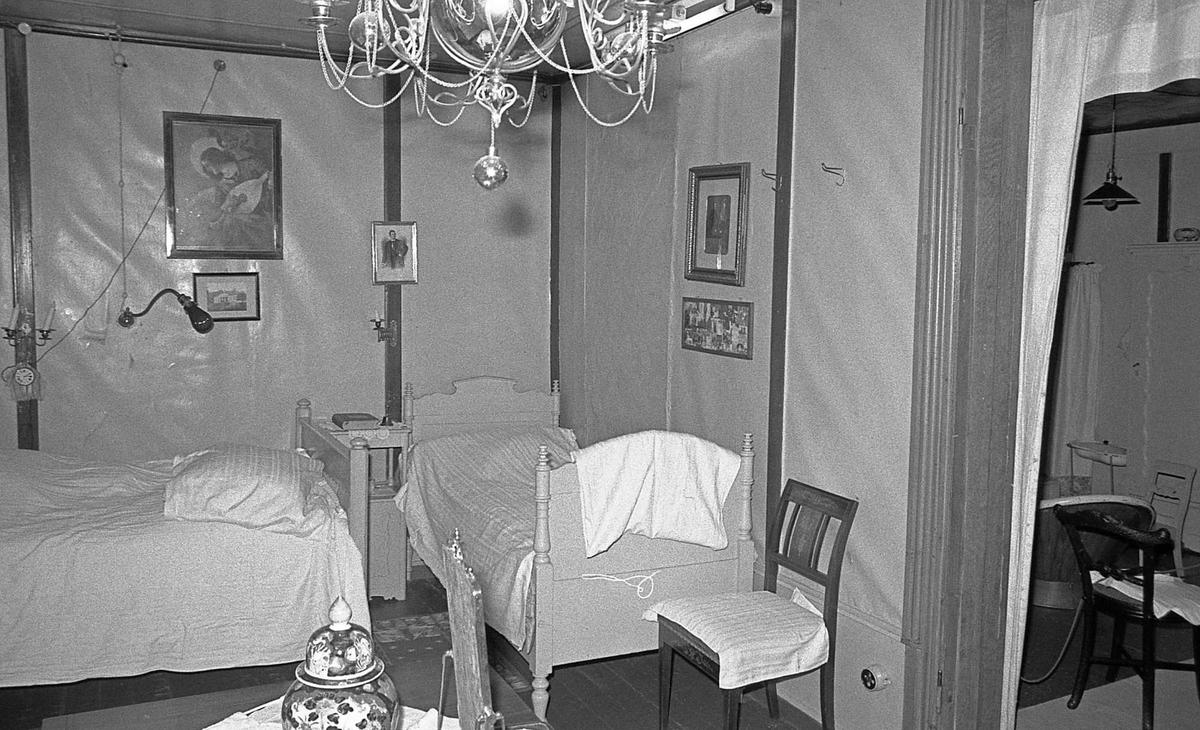 DOK:1971,Aulestad, interiør, soveværelse, seng, stol, bord,