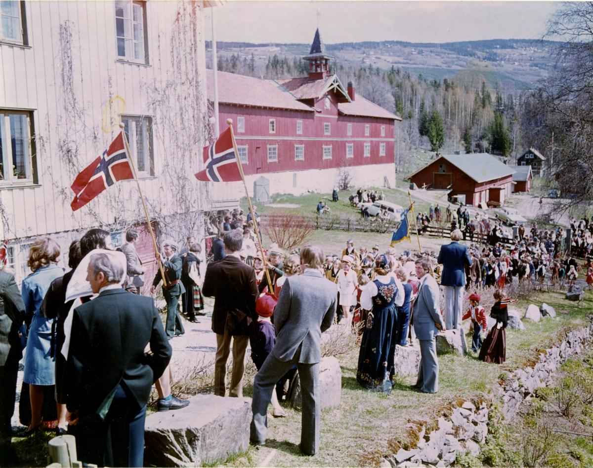 DOK:1976, Aulestad, 17. mai,