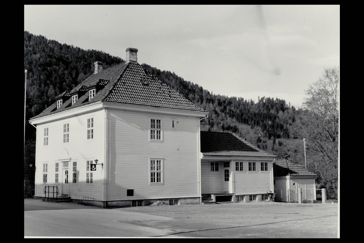 eksteriør, postkontor, 6800 Førde, postskilt