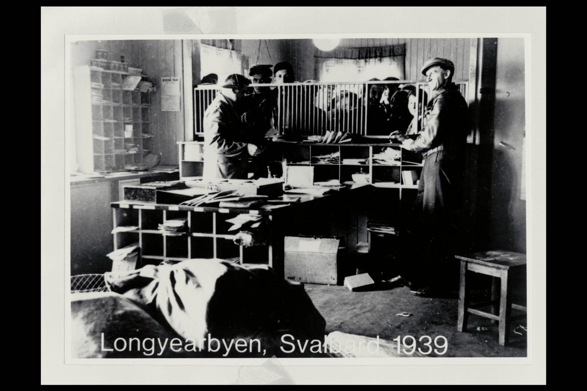 interiør, postkontor, 9170 Longyearbyen, ekspedisjon, ekspeditør, kunder