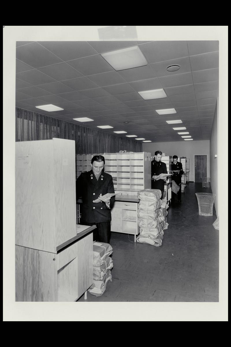 interiør, postkontor, 0205 Skillebekk, budavdeling, sortering, pakker, postbud