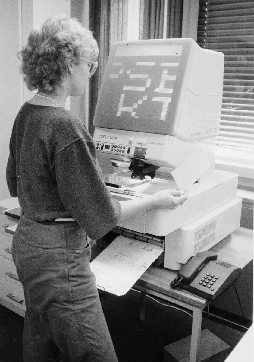 postbehandling, mekanisering, dame, mikrofilmapparat
