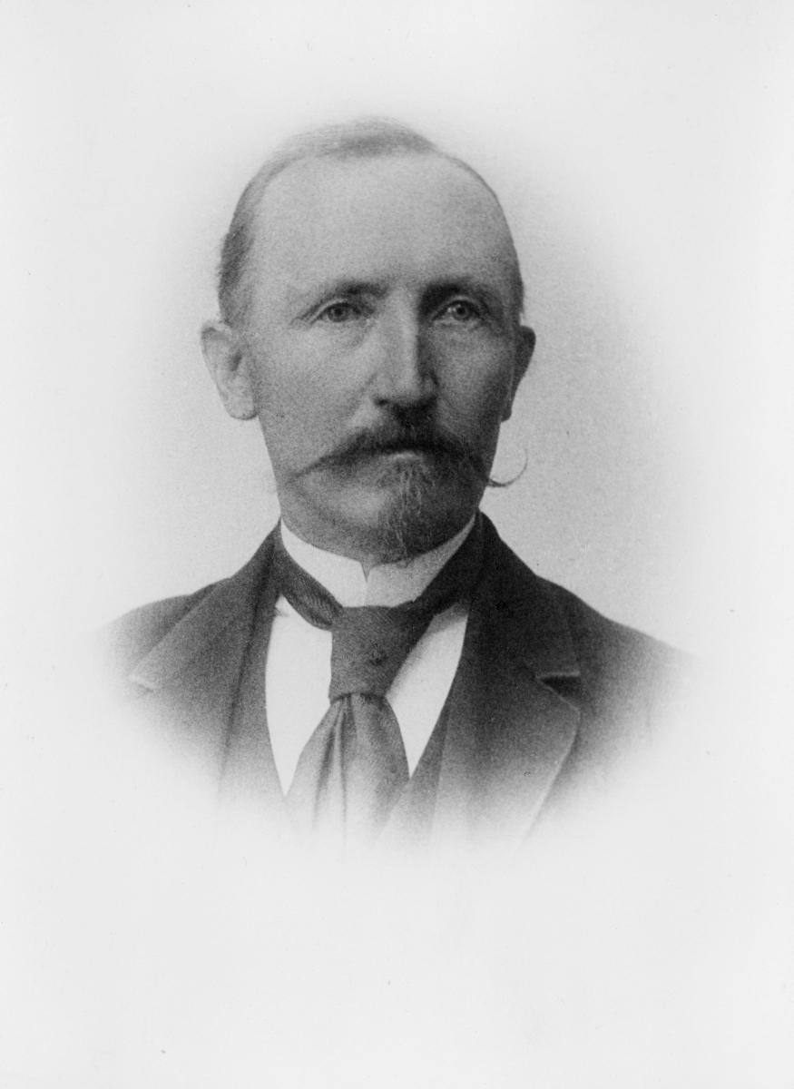 portrett, postmester, Erik Bathen
