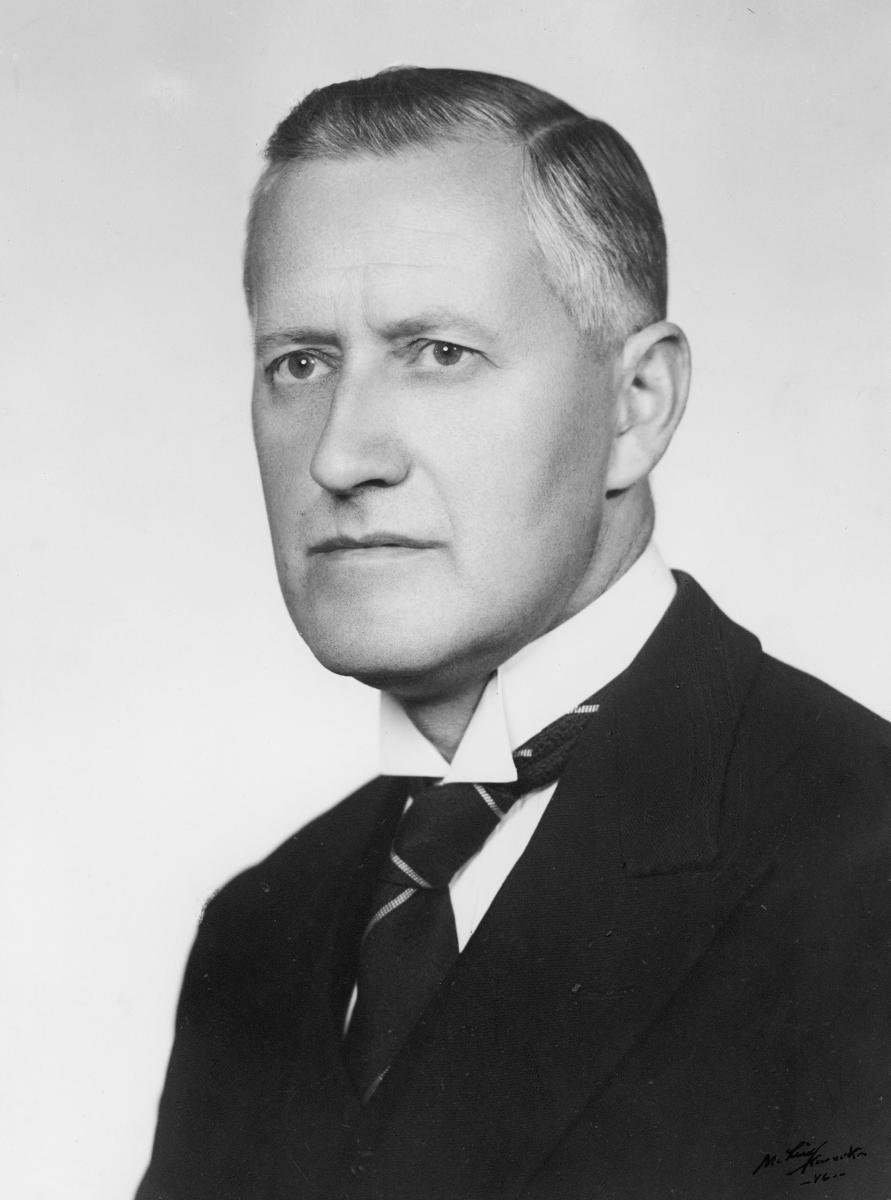 portrett, postmester, Arthur Hansen
