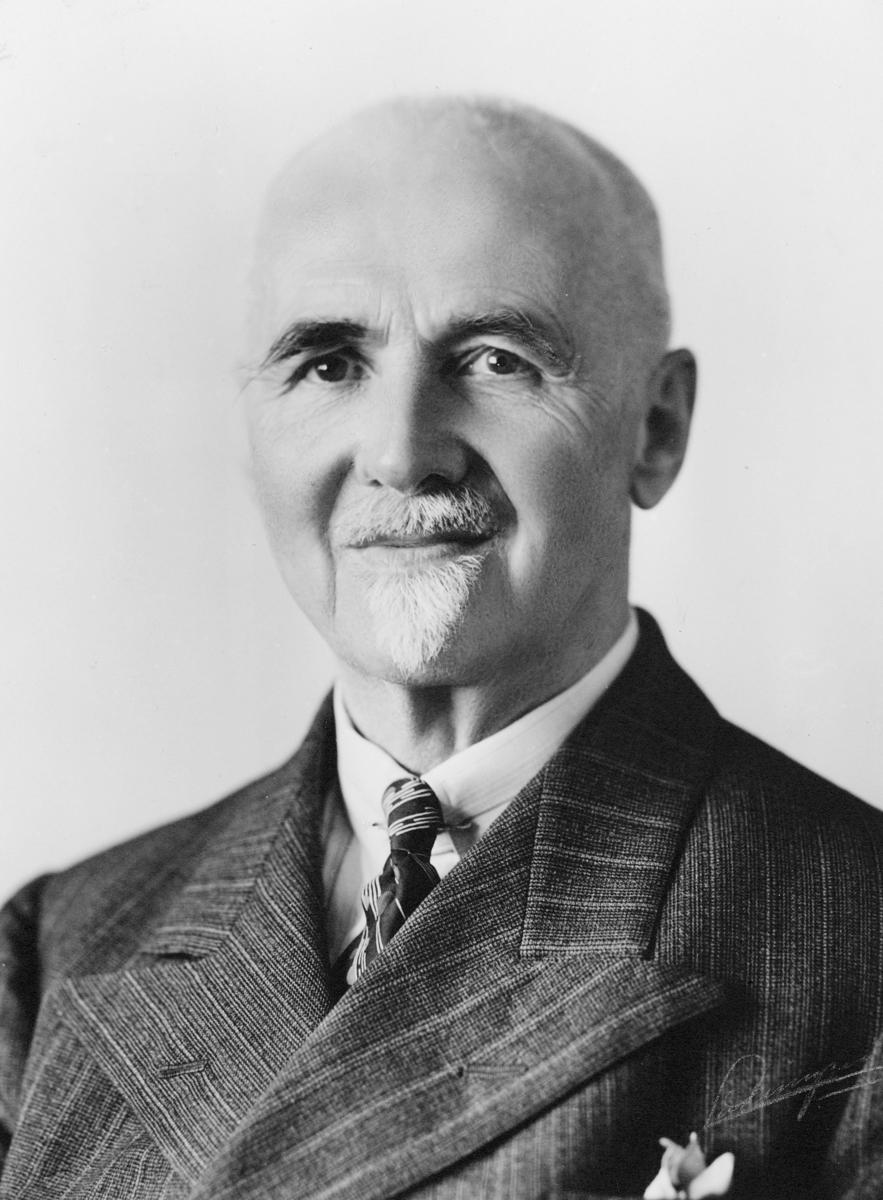 portrett, postmester, Ingvald Klinkenberg
