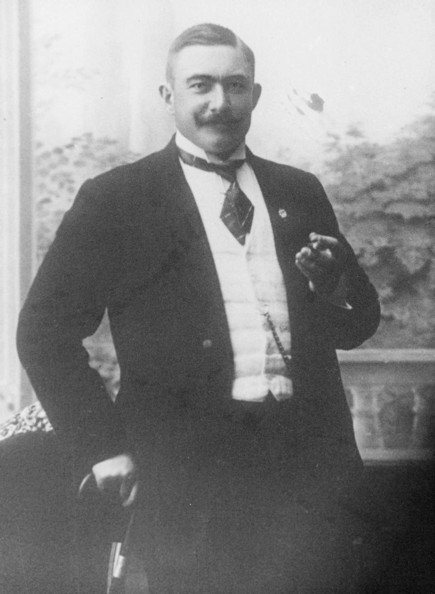 portrett, postmester, Eyvind Magnus Tharaldsen
