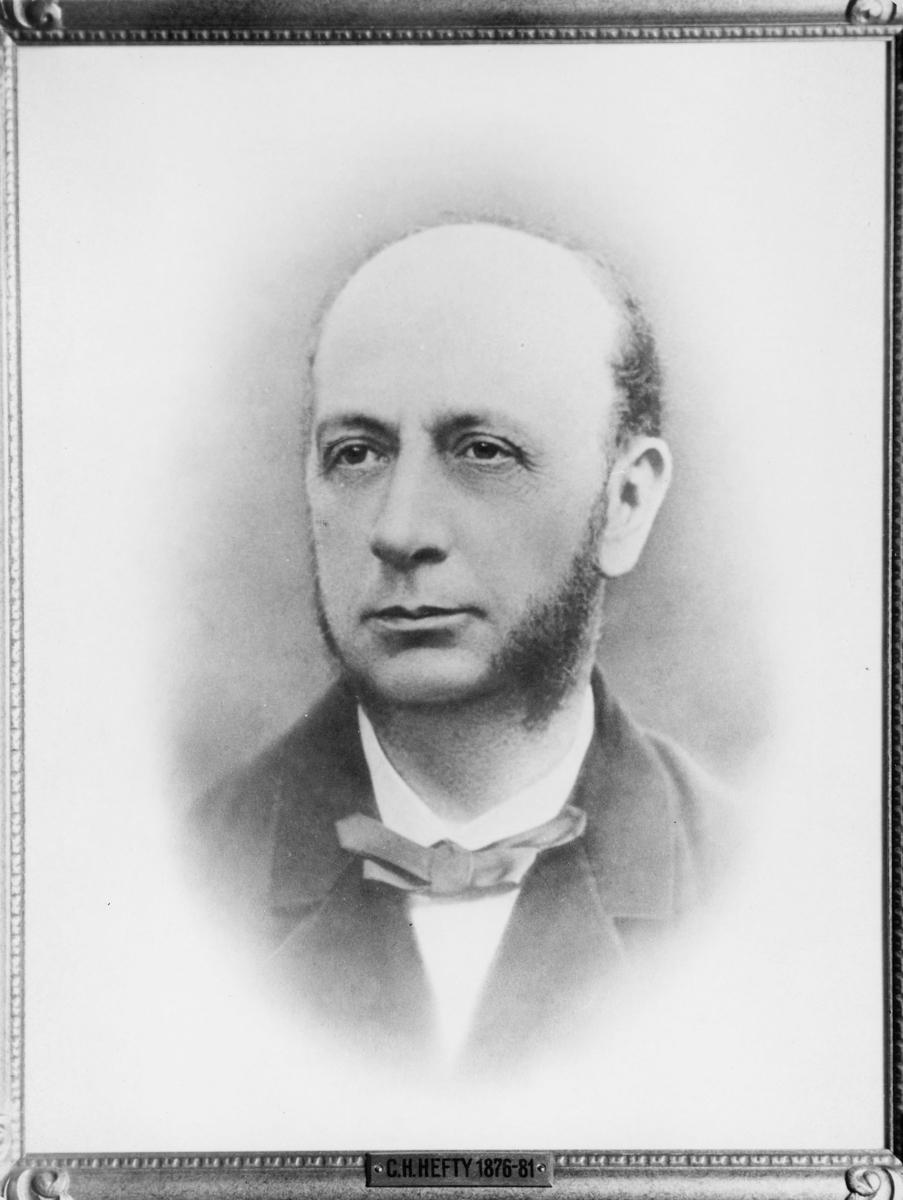 ekspedisjonssekretær, Hefty Christian Hans Smith, portrett