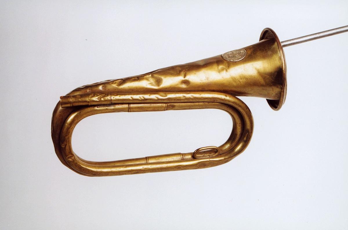 Postmuseet, gjenstander, posthorn, trompettype, mangler munnstykke.