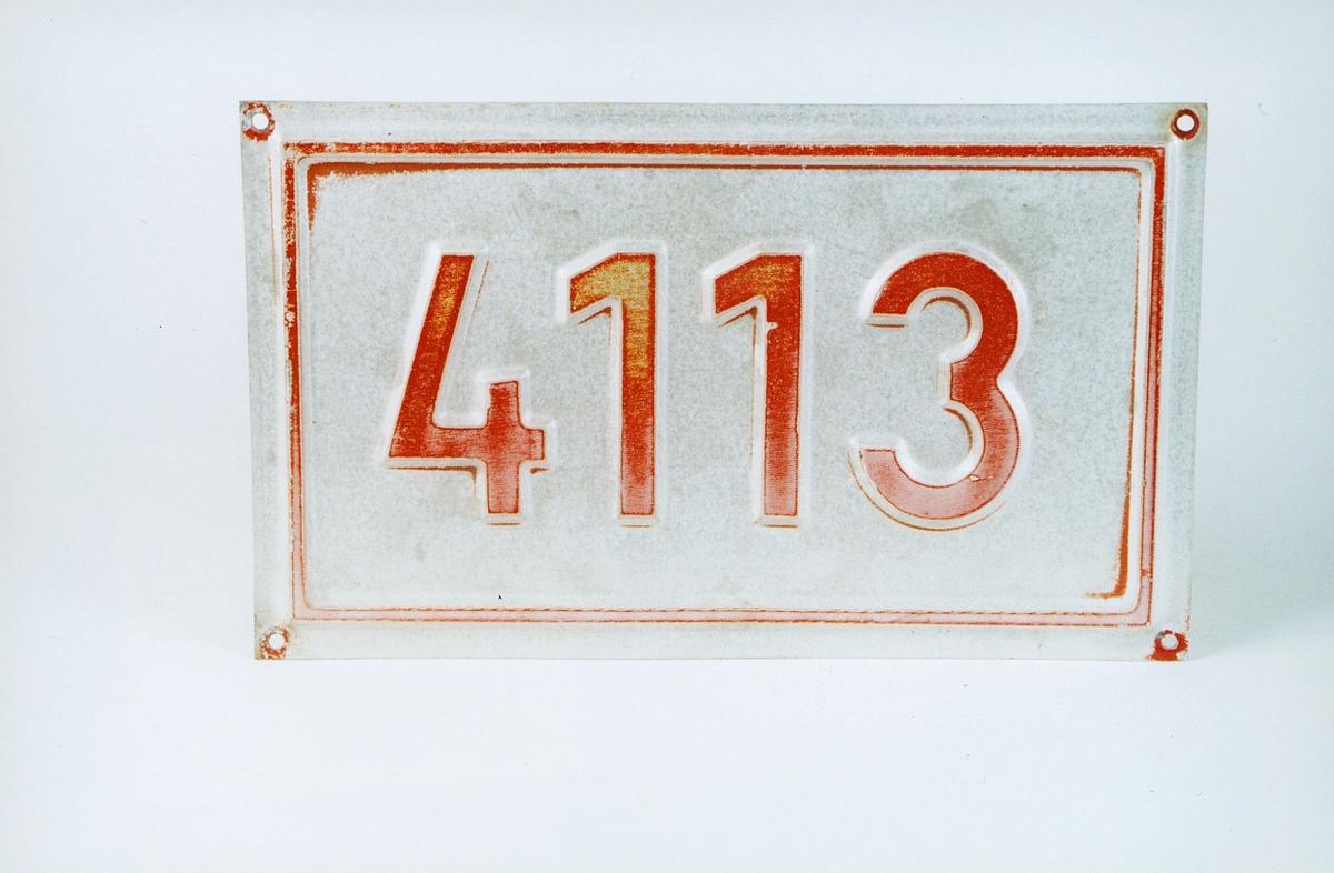 Postmuseet, gjenstander, skilt, stedskilt, nummerskilt, 4113 (Lysebotn).