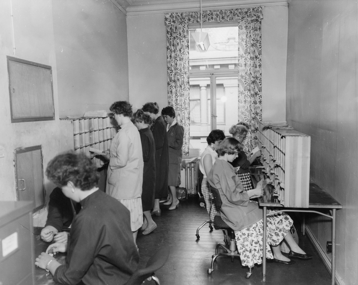 postgirokontoret, Oslo, Kirkegt. 20, interiør, kvinner