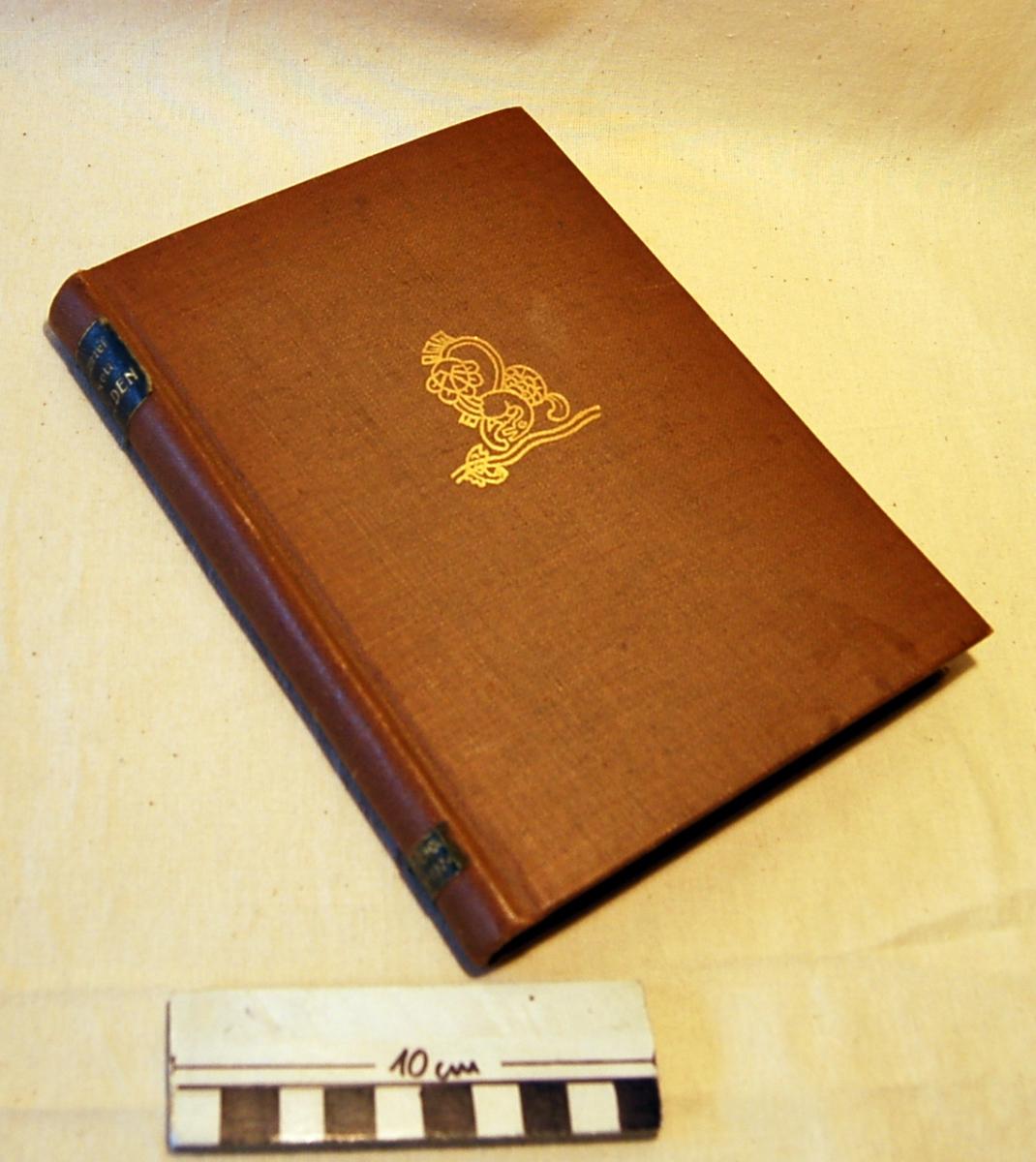 På bokens forside er et stilisert motiv