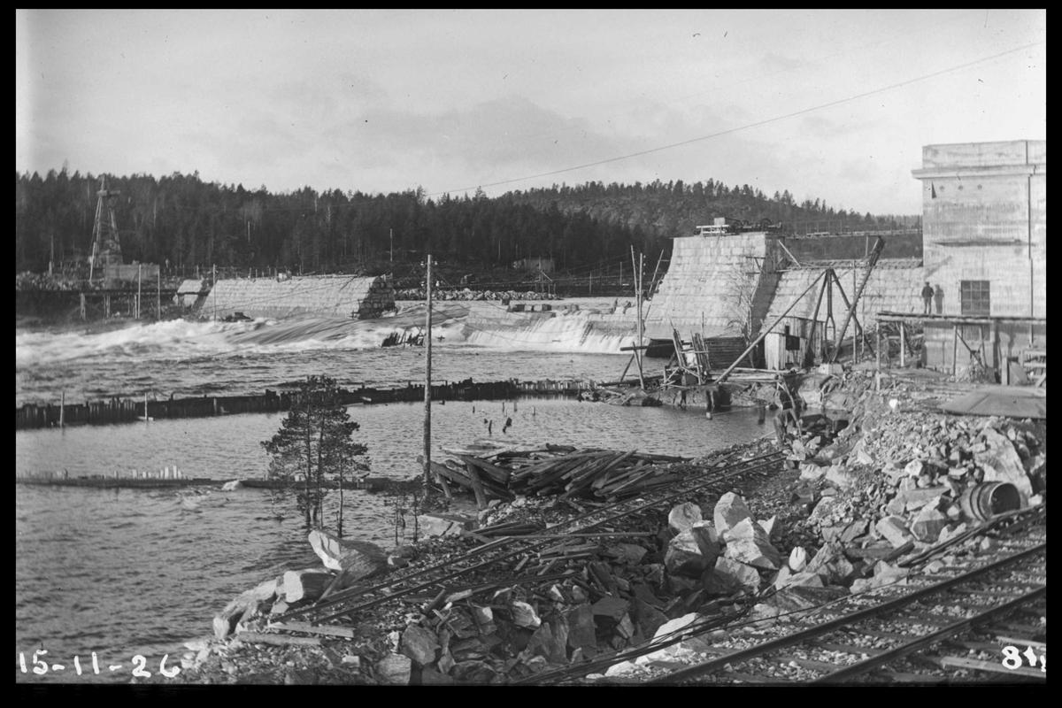 Arendal Fossekompani i begynnelsen av 1900-tallet CD merket 0468, Bilde: 51 Sted: Flaten Beskrivelse: Oversiktsbilde fra jernbanen