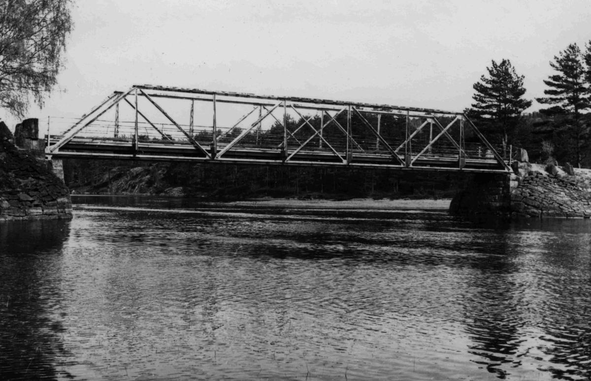 Fidje bru bygget i 1913 - Rep. i 1951