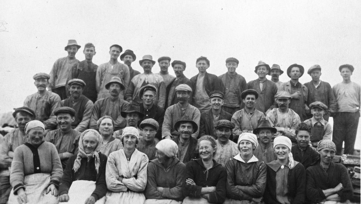 Arbeiderne ved Hoelstad Teglværk.