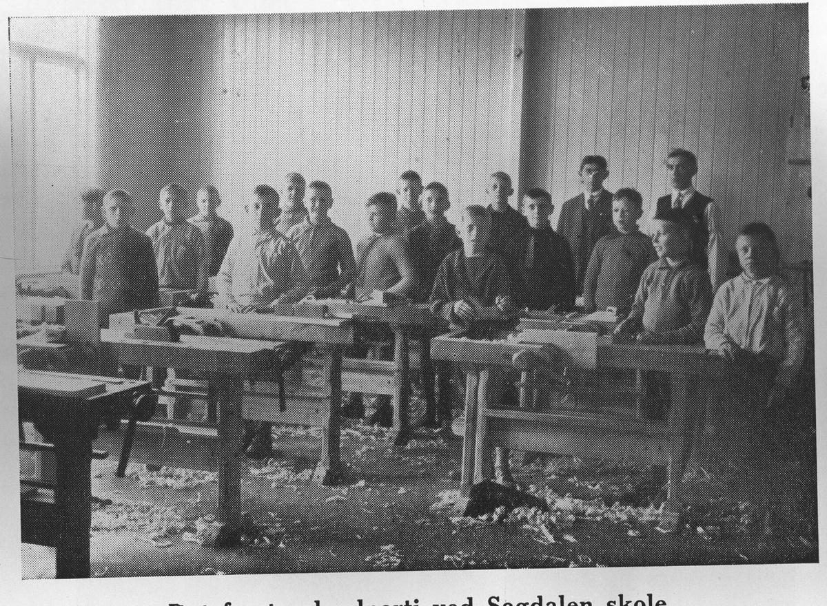 Det første sløydparti ved Sagdalen skole
