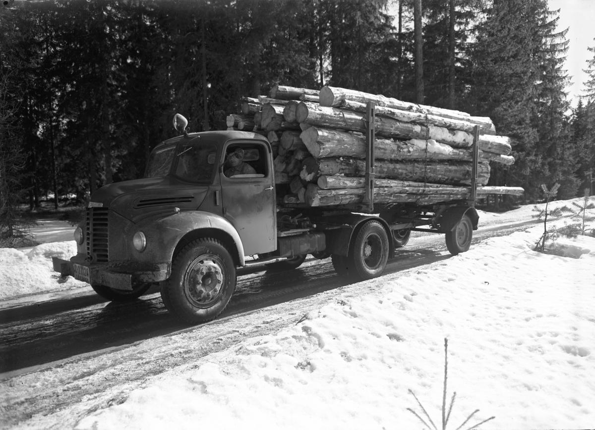 Tømmerbil tilhørende Mathiesen Eidsvoll Verk.