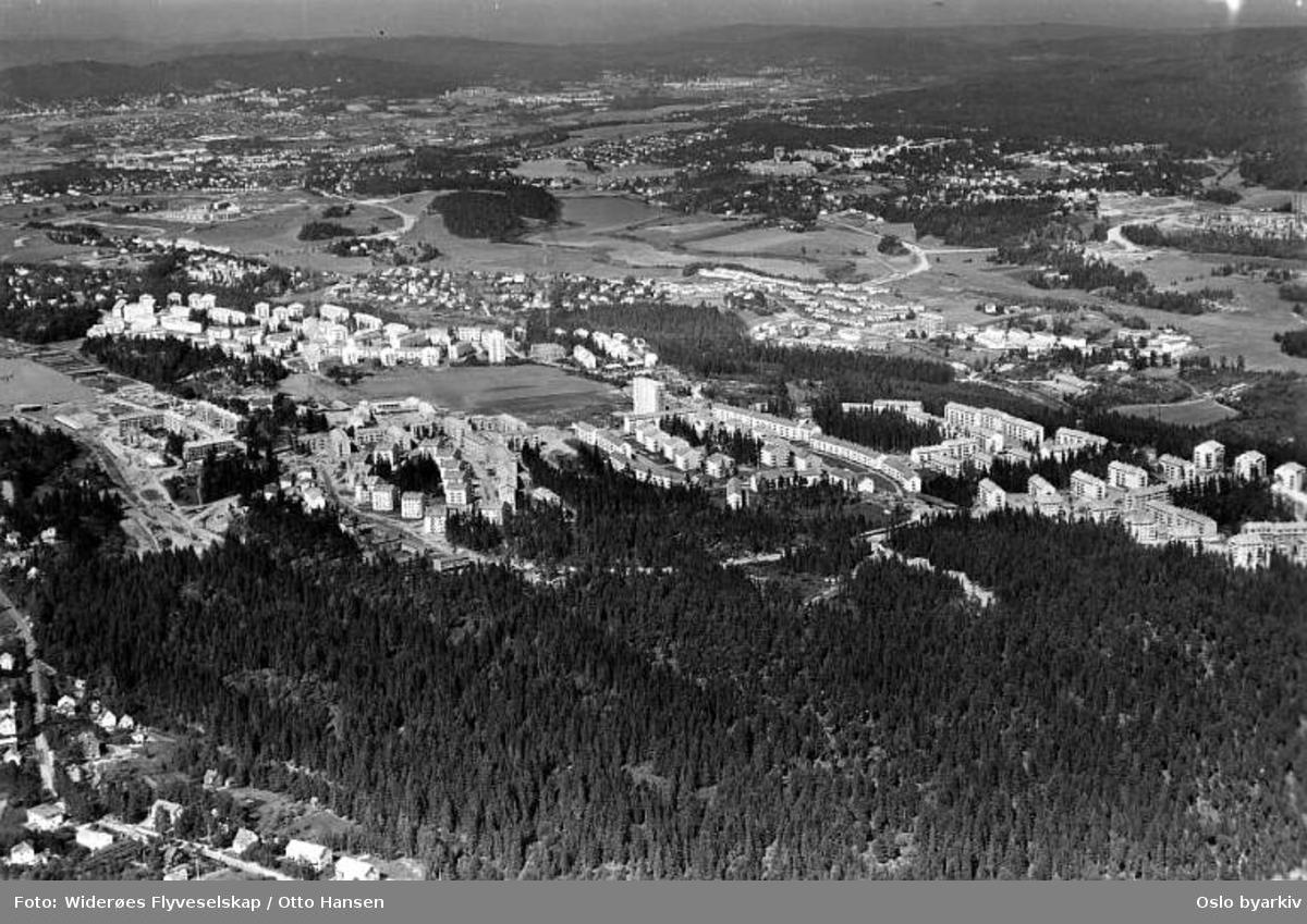 Lambertseter, Langbølgen, Mellombølgen, Bergkrystallen, Glimmerveien, Feltspatveien, Steinspranget (Flyfoto)