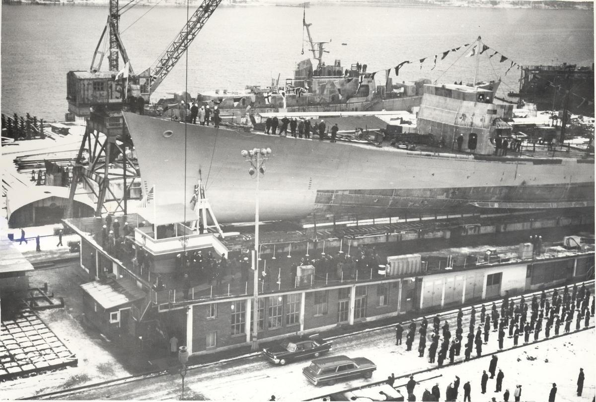 Enkeltbilde. Fra sjøsettingen av Fregatten KNM Narvik
