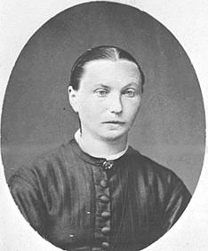 Marte Jensdatter Narmo f. 1840 på Bakkerud, Helgøya. Narmo øvre, Vang.