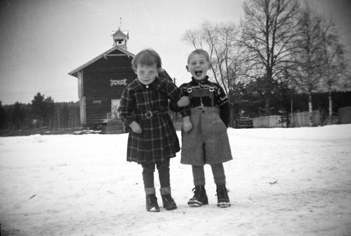 To barn