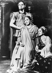 Rollebilde. Kirsten Flagstad som Dido i Dido og Aenaes, oper