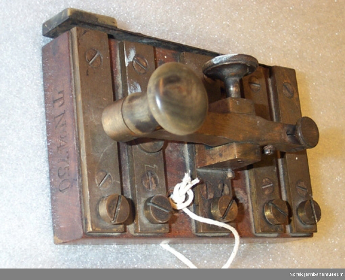 Morsenøkkel med kommutator - Nøkkel til morselegraf og signaltelegraf