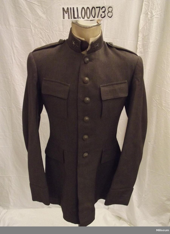 Vapenrock m/1923 för löjtnant vid artilleriet.