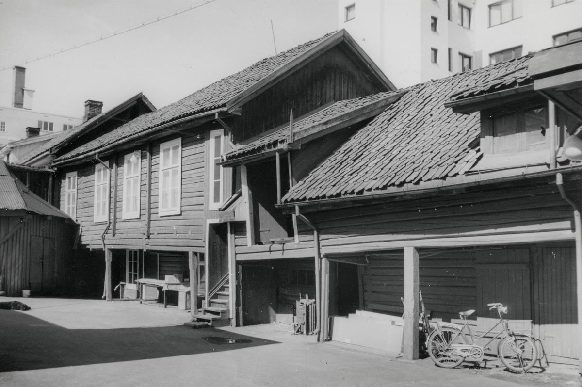 H.B.Falks bakgård.