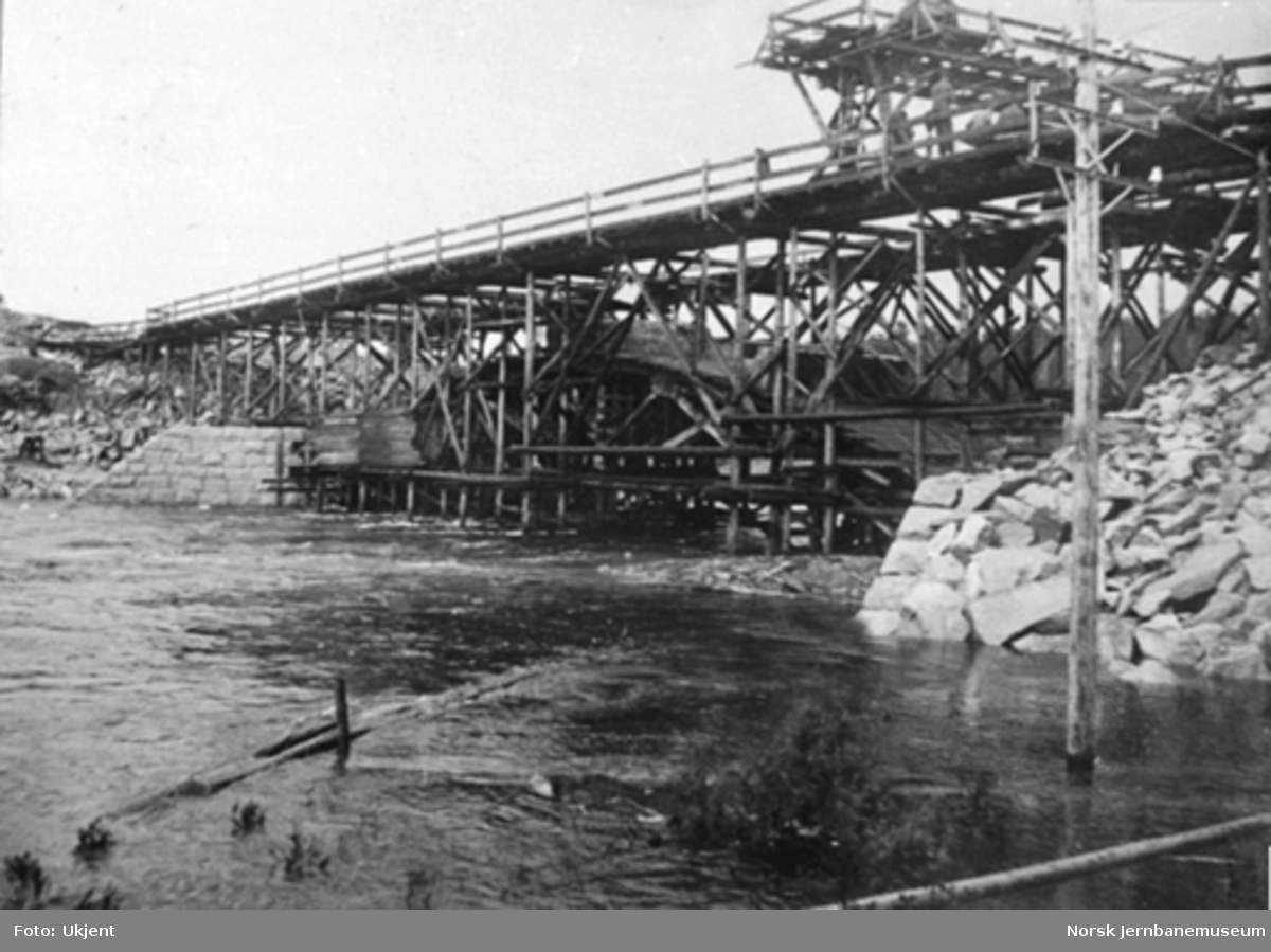 Byggingen av Høgefoss bru