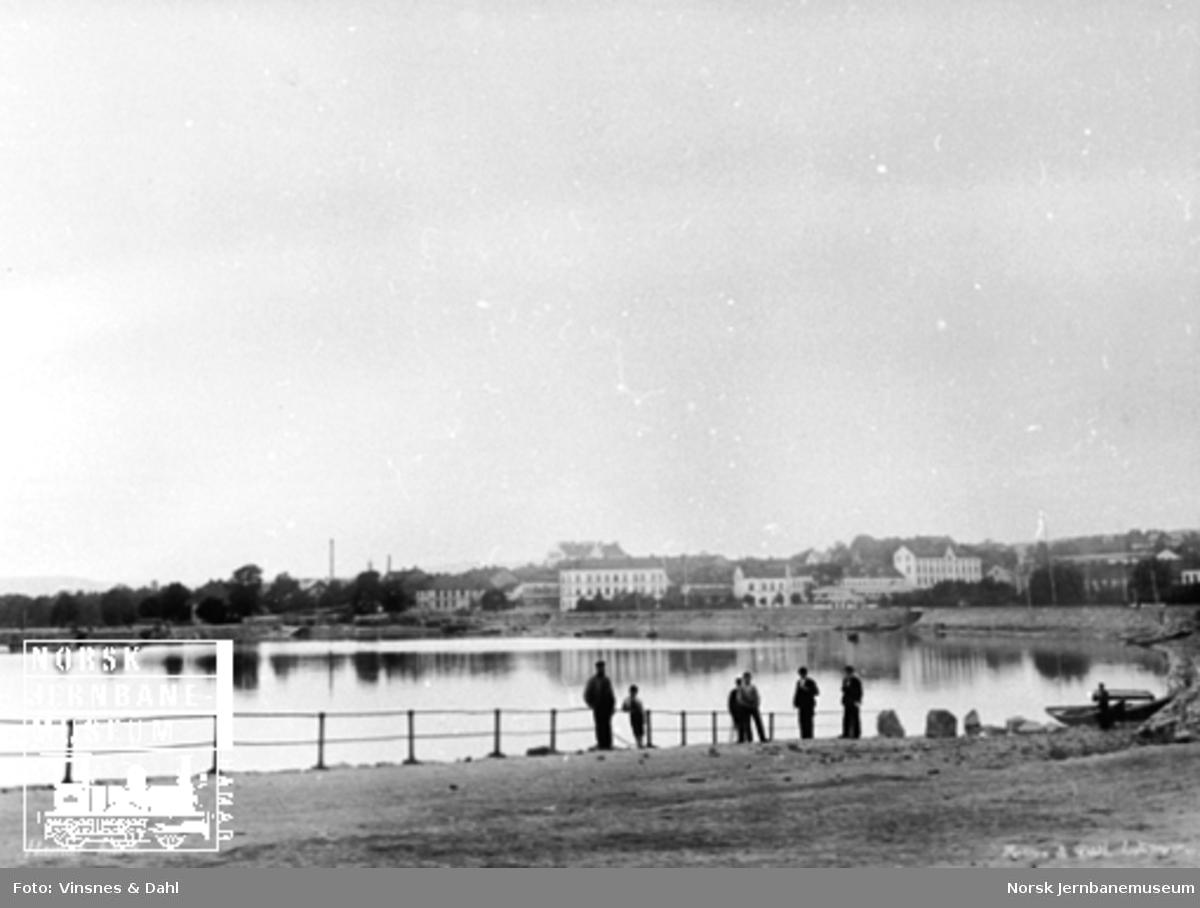 Hamar havn og utsikten nordover