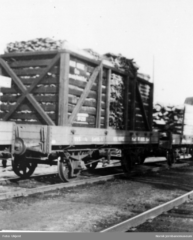Urskog - Hølandsbanens løftekasse nr. 209, lastet på en N-vogn