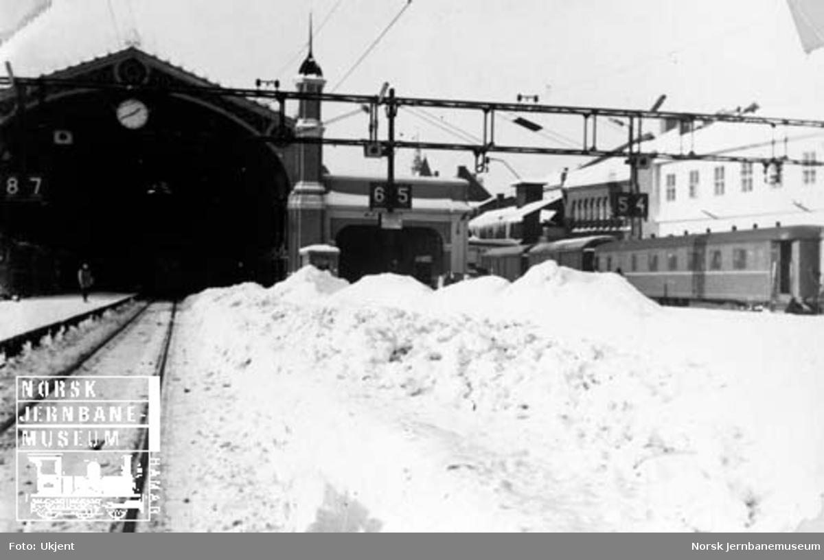 Snørydding på Oslo Ø i februar 1966