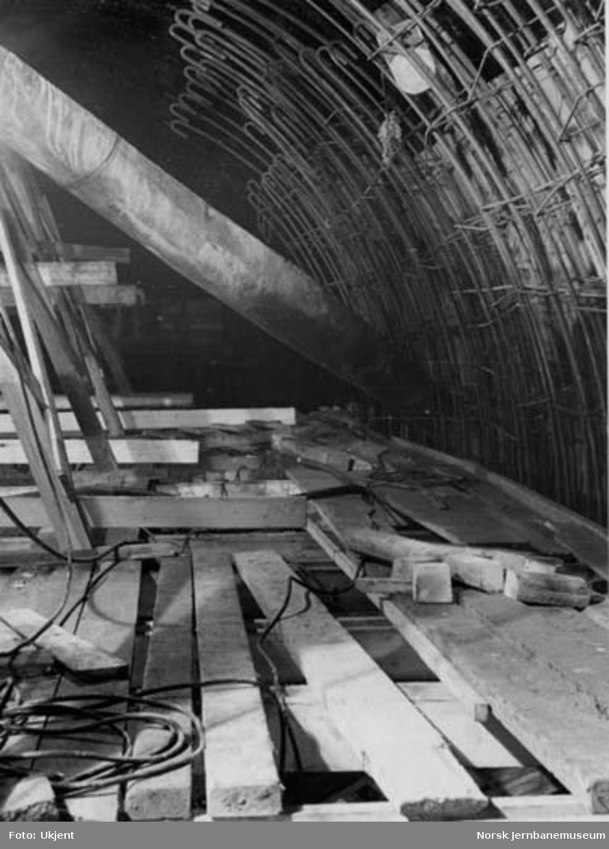 Tyholttunnelen : armering for indre ring ved utstøpning