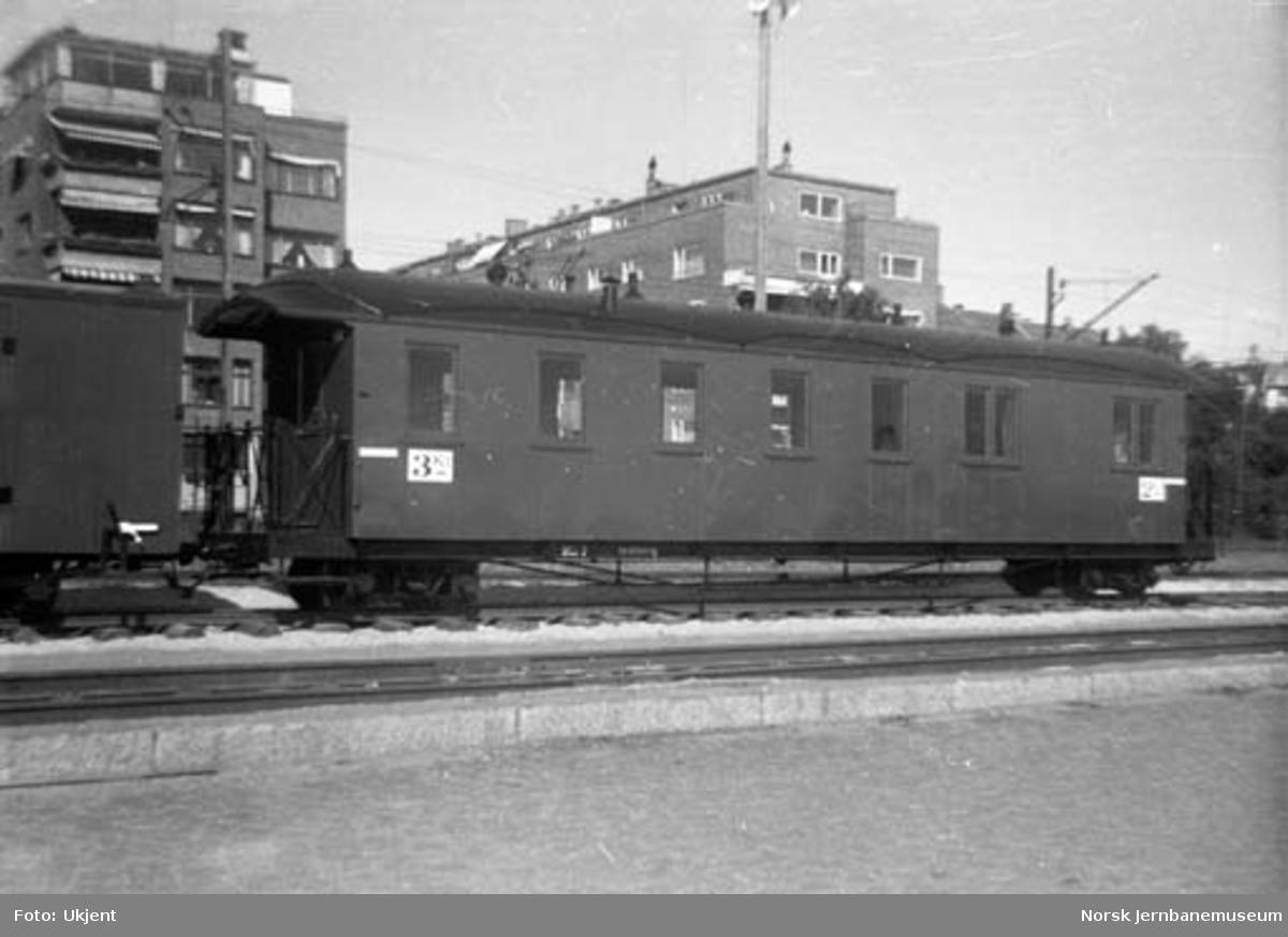 Lokomotiv og vogner fra Aurskog-Hølandbanen på Jubileumsutstillingen