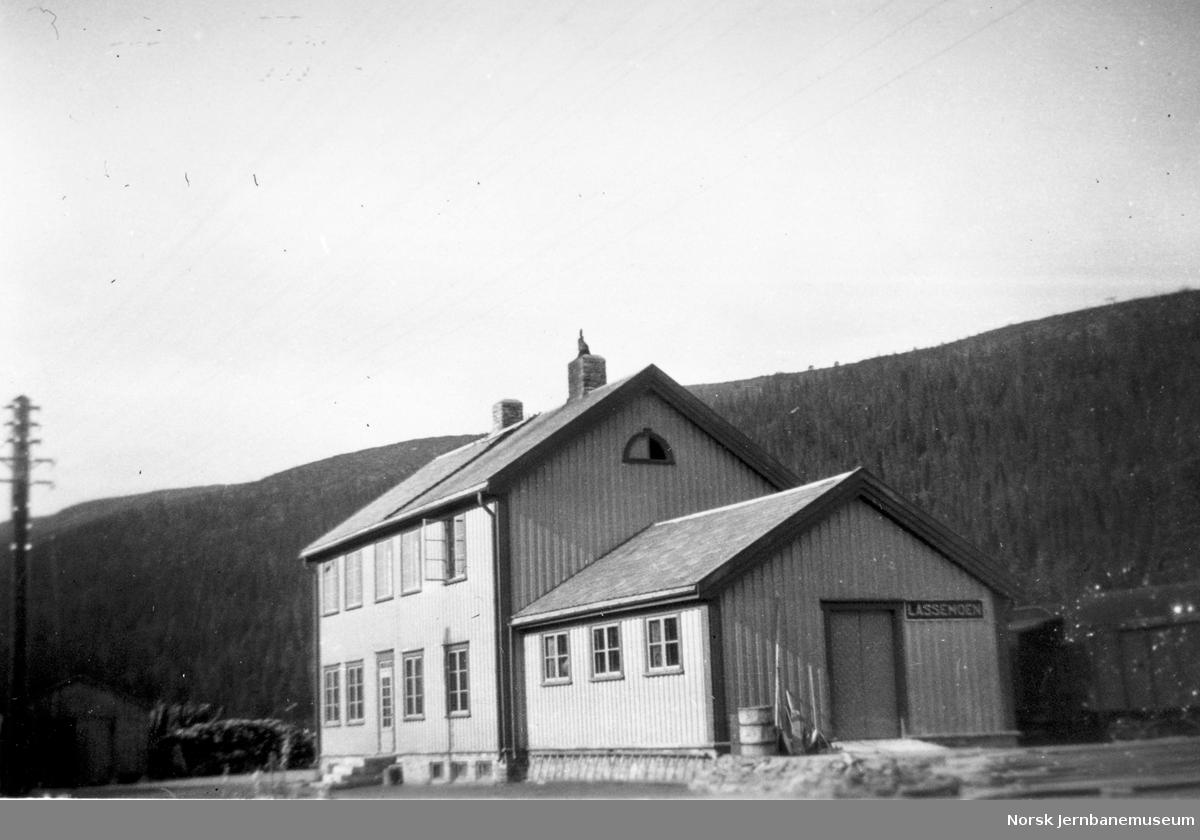 Lassemoen stasjonsbygning